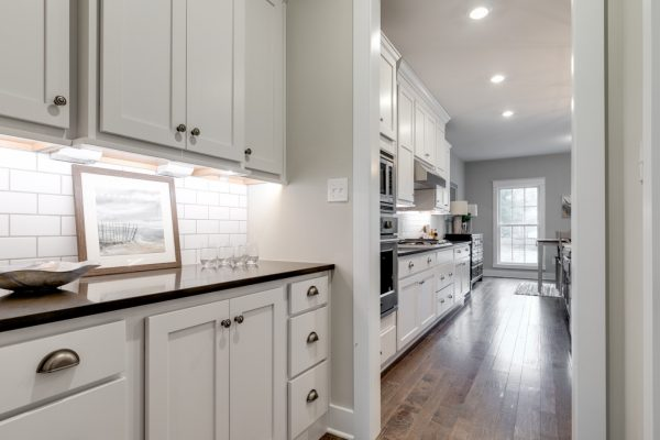Butler's pantry in new home built by Richmond Hill Design-Build