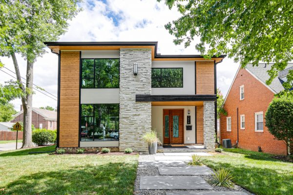 Stunning exterior of new contemporary home by Richmond Hill Design-Build