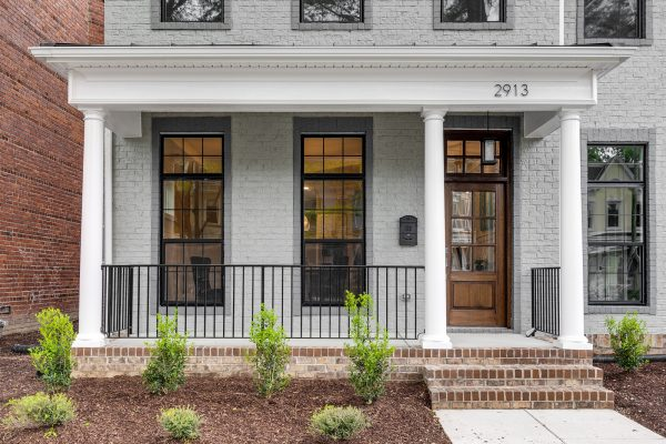 Stunning exterior of townhouse in the City of Richmond by Richmond Hill Design-Build