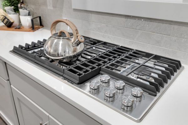 Cooktop in kitchen of new townhouse by Richmond Hill Design-Build