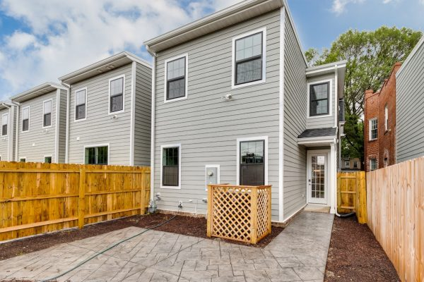 Rear yard of townhouse by Richmond Hill Design-Build