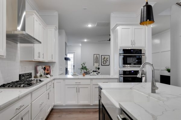 Gorgeous kitchen in new townhouse by Richmond Hill Design-Build
