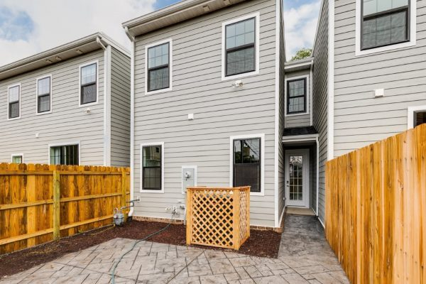 Rear exterior of townhouse by Richmond Hill Design-Build